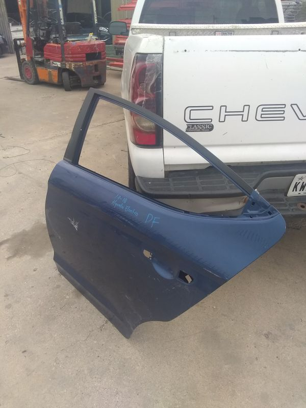 2017-18 Hyundai Elantra rear left door shell