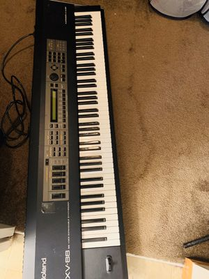 Roland xv-88 weighted keyboard for Sale in Hamilton, OH