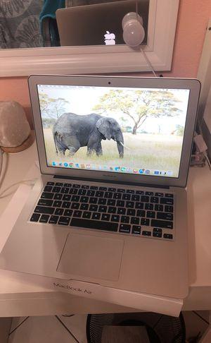 APPLE MACBOOK AIR 13 INCH WITH CHARGER for Sale in Hialeah, FL