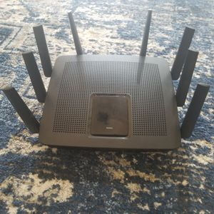 Linksys EA9500 Tri-Band Wi-Fi Router for Home (Max-Stream AC5400 MU-Mimo Fast Wireless Router), Black for Sale in Modesto, CA