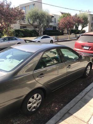 Toyota Camery 2002 Very Clean Title for Sale in Los Angeles, CA