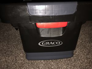 Gracias base for car seat it's adjustable for Sale in Reno, NV