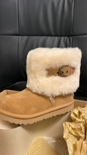 100% authentic UGG boots size 12 for Sale in Jurupa Valley, CA