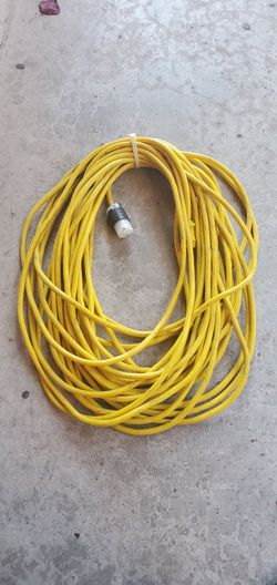 EXTENSION CORD 100FT GAUGE 12 WORKING GOOD!!! for Sale in Houston,  TX