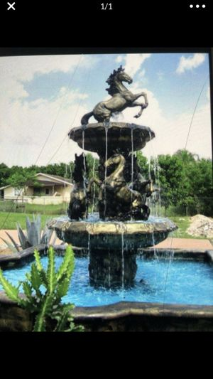 Horse water fountain for Sale in Miami, FL