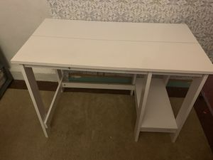 White desk for sale for Sale in San Diego, CA