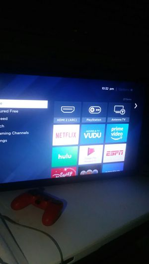 "32"" inch roku smart tv & PlayStation 4 slim /Comes with all cords & a few games for Sale in Winter Haven, FL"
