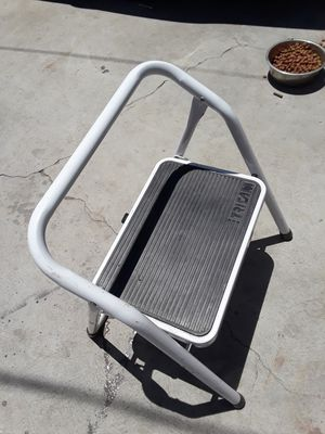 STEP LADDER for Sale in Los Angeles, CA
