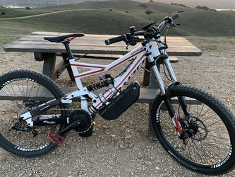 Specialized Status 2 Large Downhill ebike- Great condition! for Sale in Fremont,  CA