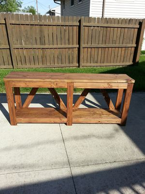 Tv stand/console table for Sale in Grove City, OH