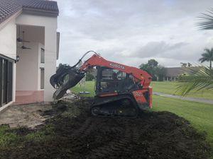 Bobcat y excavadora por hora for Sale in Miami, FL