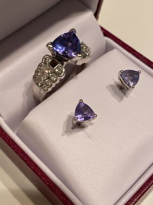 Tanzanite Trillion cut with Diamonds set in white Gold Ring size 8 and matching earrings for Sale in Peoria, AZ