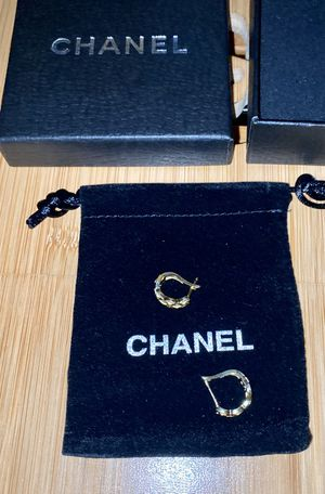 CHANEL 925 Sterling Silver earring for Sale in Dallas, TX