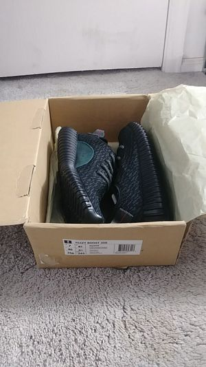 YEEZY BOOST 350 for Sale in Aurora, CO