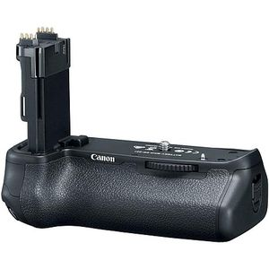 Canon bg-e21 battery grip. for Sale in Los Angeles, CA