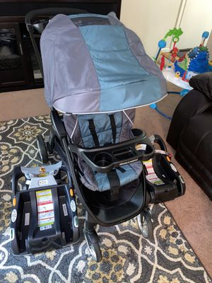 Bravo for 2 travel system & 2 car seat base for Sale in Lowell, MA