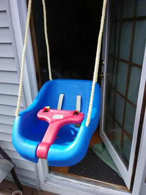Little Tikes Baby Swing for Sale in Lowell, MA
