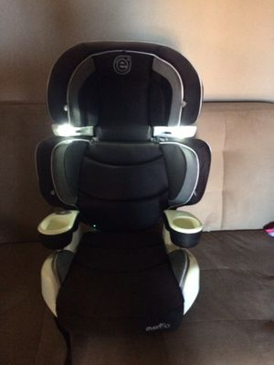 Car booster seat with lights for Sale in Modesto, CA