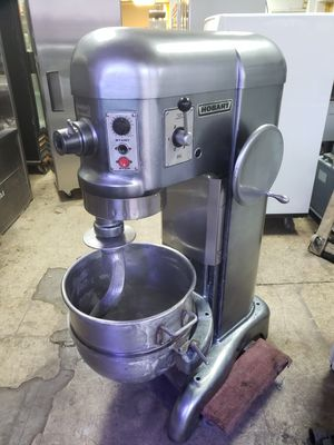 Hobart 60 quart heavy duty dough mixer machine. 2 horsepower for Sale in Queens, NY