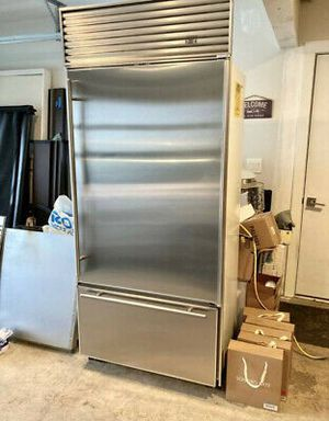 """Stainless Steel 36"""" Sub-Zero Refrigerator for Sale in Hopkins, SC"""
