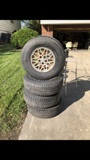 Bridgestone tires p265/70/R15 for Sale in Homewood, IL