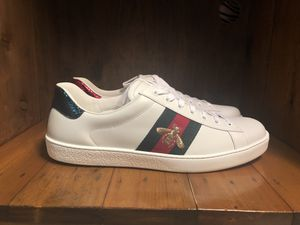 Gucci Ace Bee Sneaker Men Size 11 100% authentic for Sale in NO POTOMAC, MD
