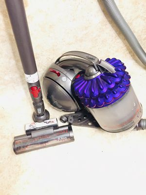 Dyson Cinetic Bid Ball Canister Vacuum Cleaner for Sale in Tacoma, WA