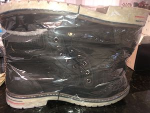 winter boots for men size 12 only (46) for Sale in Fort Worth, TX
