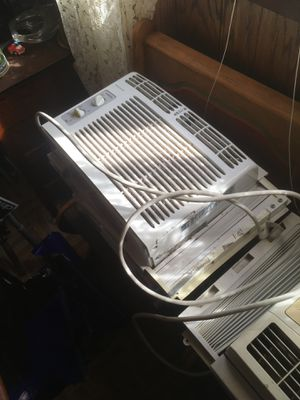 Window air conditioners 3 20 apiece for Sale in Millville, NJ