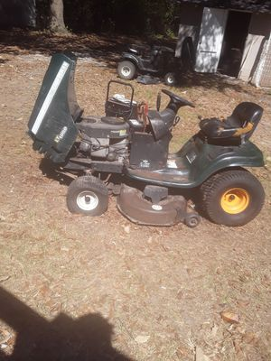Craftsman lt1000 lawnmower for Sale in Dublin, GA