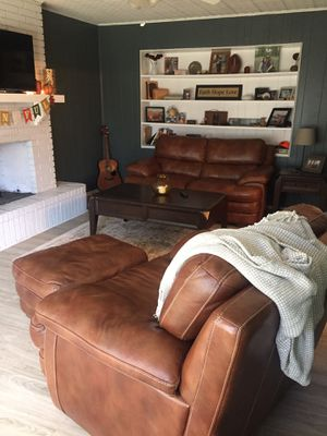 Matching loveseat and chair with ottoman for Sale in Waco, TX