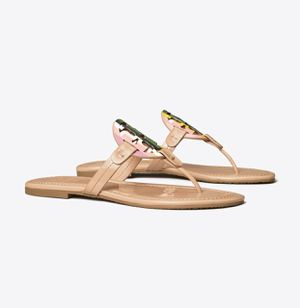 TORY BURCH miller sandal printed patent leather for Sale in Las Vegas, NV