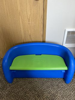 Little Tikes Storage Bench for Sale in Vancouver,  WA