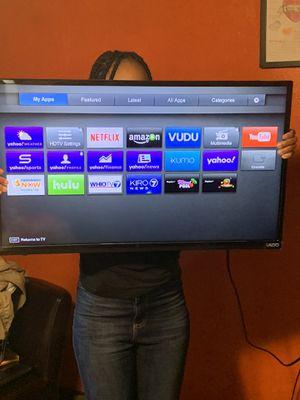 """Vizio 32"""" smart tv for Sale in Southfield, MI"""