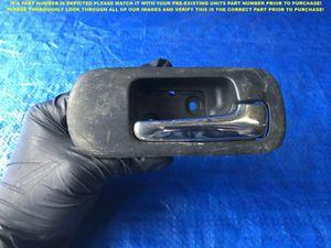 OEM 2001 2002 2003 HONDA CIVIC 4D PASSENGER RIGHT FRONT INTERIOR DOOR HANDLE for Sale in Miami Gardens, FL