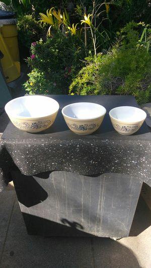 Pyrex bowl set for Sale in Riverside, CA