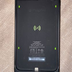 iPhone 7 & 8 Plus Battery Pack With Qi Wireless Charging for Sale in Lakewood,  CA