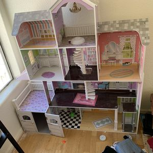 Doll house for Barbies for Sale in Phoenix, AZ