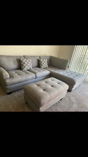 Beautiful Sectional couch for Sale in Hayward, CA