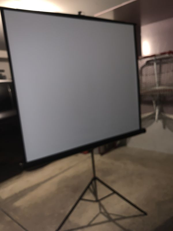 Foldable screen projector with stand