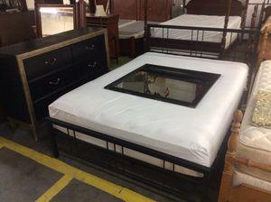 Queen platform bedroom set for Sale in Lugoff, SC