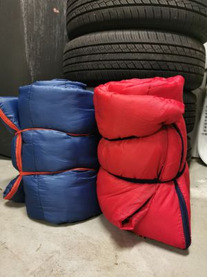 2 sleeping bags for Sale in San Bernardino, CA