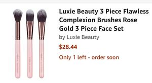 Luxie 3 piece makeup brush for Sale in Taylor, MI
