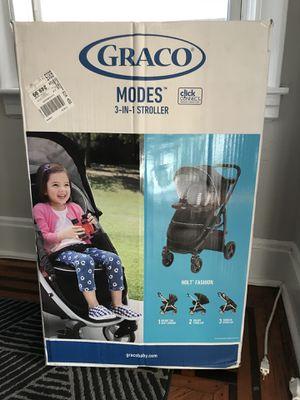 Graco. Todller car seat stroller. 3-in-1 for Sale in Jersey City, NJ