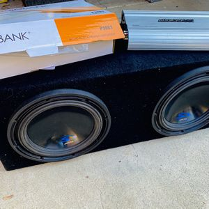 $260 Nonnegotiable / Alpine Type S 10s / New 3000 Watt Amp / Sub Box for Sale in Sanger, CA