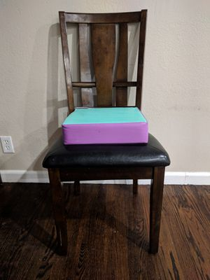 Toddler Booster Seat for Dining Table - Purple / Green for Sale in Sunnyvale, CA