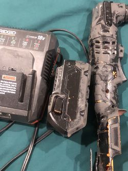 Ridgid Oscillating Tool With Battery 4.0 Plus Charge for Sale in Poinciana,  FL