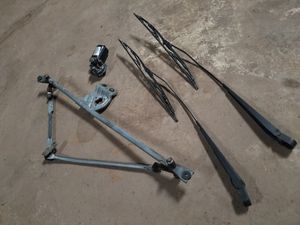 (*Price Reduced*) Complete windshield wiper set up from 97' dodge ram 1500 truck for Sale in Tarentum, PA