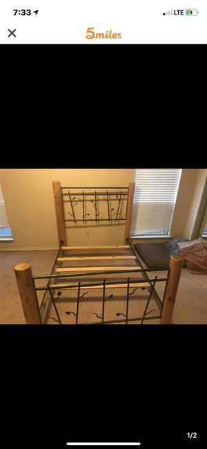 Bed frame for Sale in Haltom City, TX