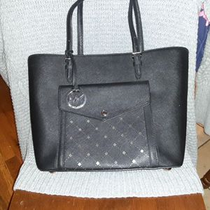 Michael Kors Pocketbook for Sale in New Haven, CT